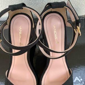 Black sandal Heel.